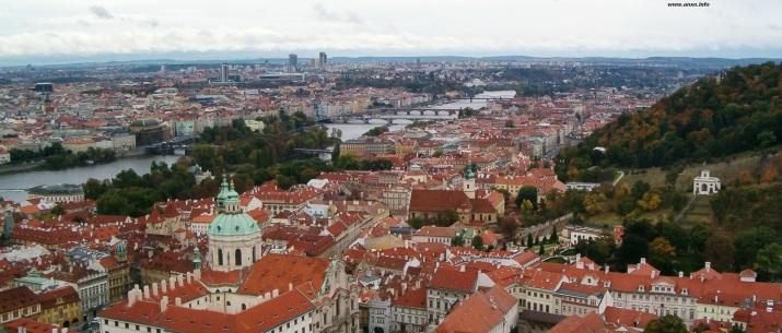 Praga, unha das cidades que marcou os protagonistas da obra de Andrea Maceiras.